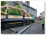 13 Monday 20th May 2013 sees the trusses being unloaded on site
